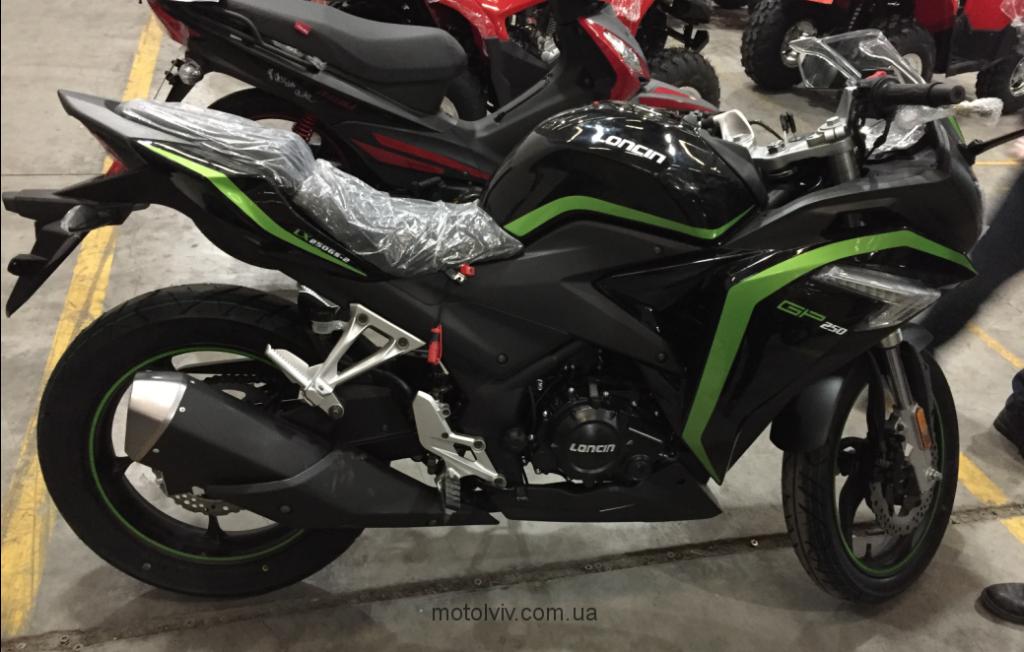 Мотоцикл Loncin LX250GS-2A GP250 у мотосалоні MOTO LVIV.
